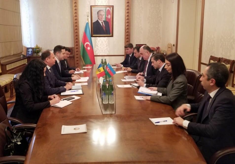 Azerbaijani, Moldovan FMs meet in Baku