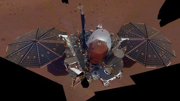 Marsda ilk selfi çəkildi - Foto