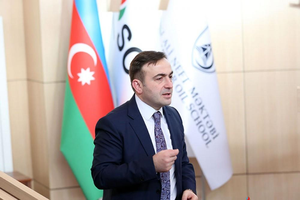 BP Vice President conducts master class at Baku Oil School
