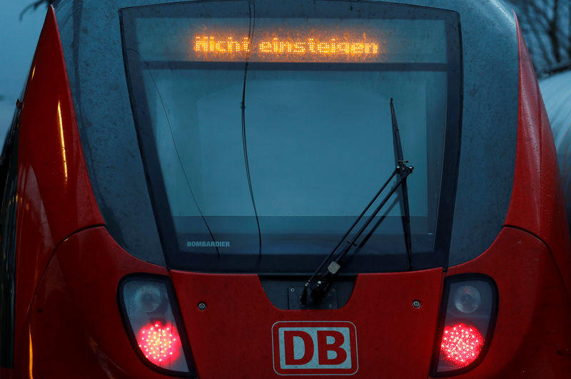 German railway Deutsche Bahn reaches wage agreement