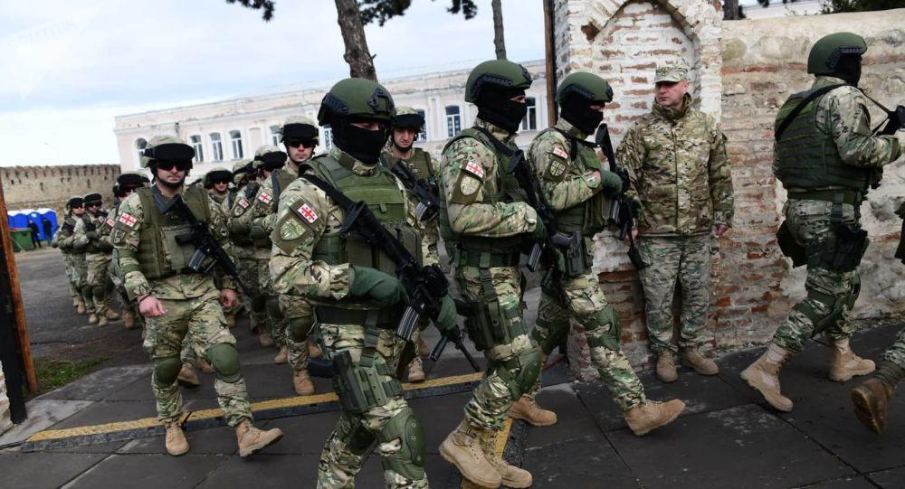 Оппозиция прорывается в Телави сквозь кордоны полиции