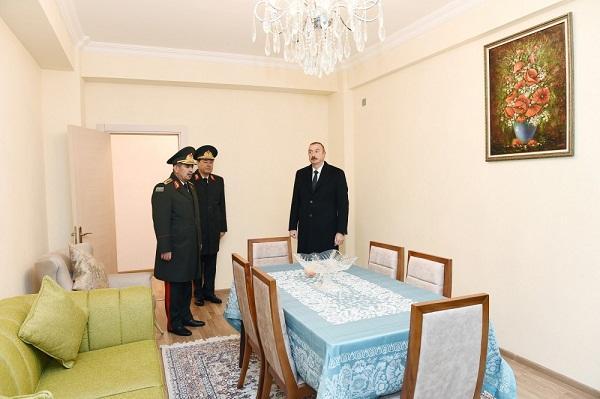 İlham Əliyev hərbçilərə mənzil verdi -