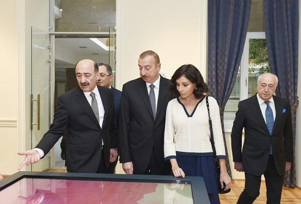 Prezident və xanımı təmir olunan muzeyin açılışında - Foto