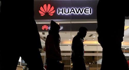Huawei books record sales in its smartphone business