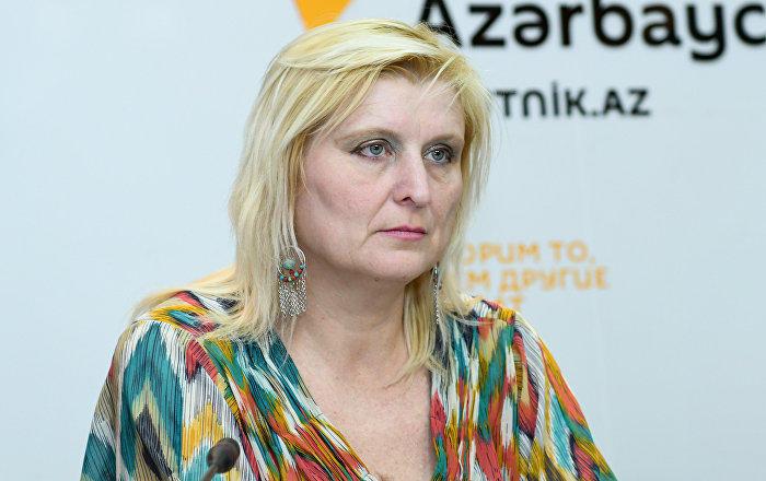 Ученый, увидев карабахский ковер: Это чудо… - Видео