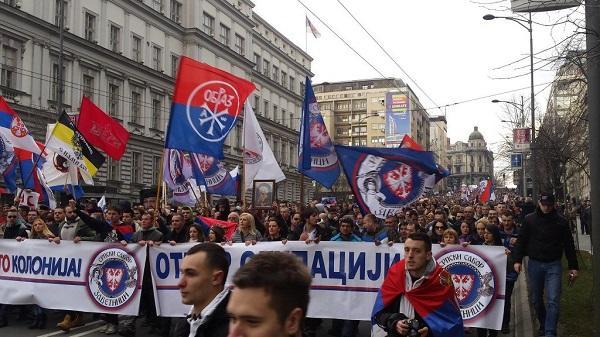 Serb etirazçılar tarix verdi: Sona qədər...