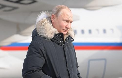 Putinin reytinqi düşüb -
