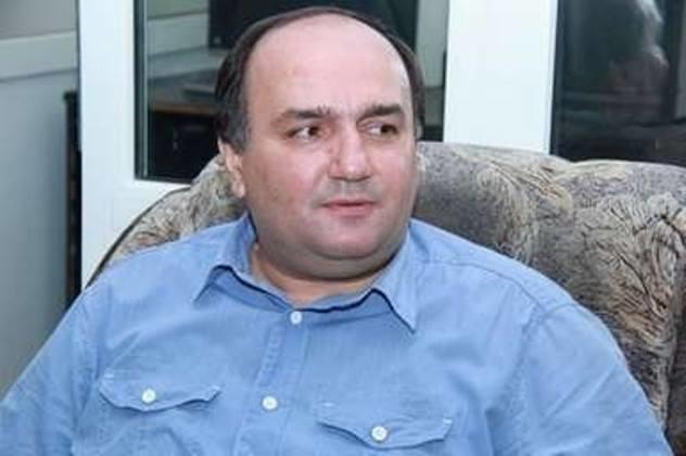 فخری اوغورلو چاغداش آذربایجان ادبیاتیندان دانیشیب