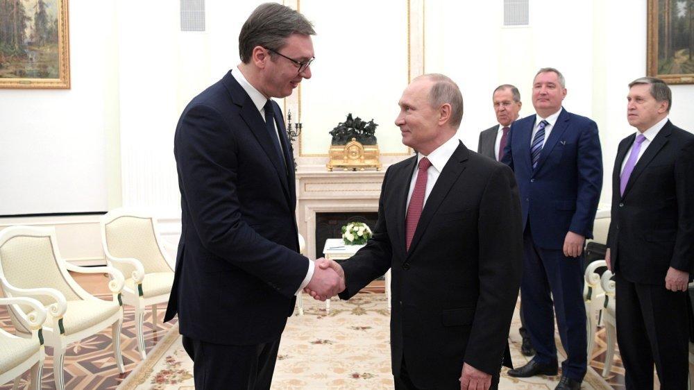 Вучич готовит необычный подарок Путину