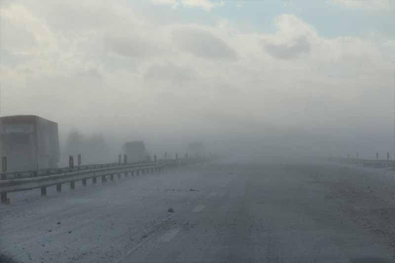بارش برف و باران در جادههای ۱۷ استان