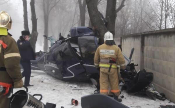 В Алматы упал вертолет, пилот погиб