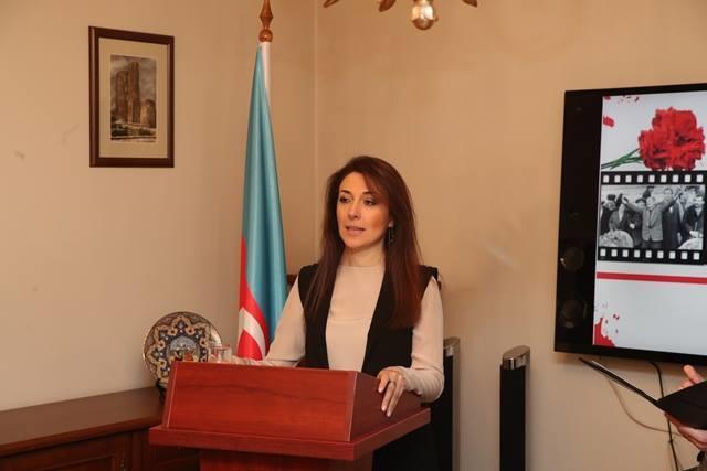 """Xanım səfirimiz: """"Mən Bakıyam, məni yandırırlar"""" deyə... – Foto"""