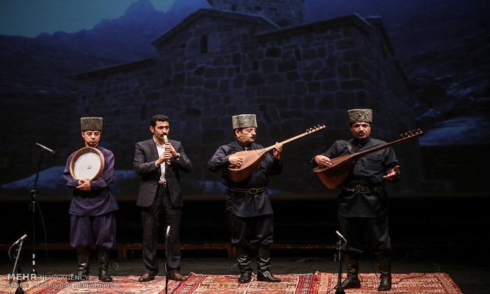 چاغداش آذربایجان آشیقلارینین شعیرلرینین آنتولوگییاسی چاپ ائدیلدی - فوتو
