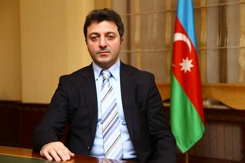 Tural Gəncəliyev kanadalı deputata etiraz etdi