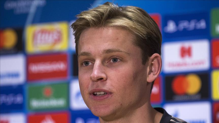 Barcelona to sign Ajax midfielder de Jong for $85M