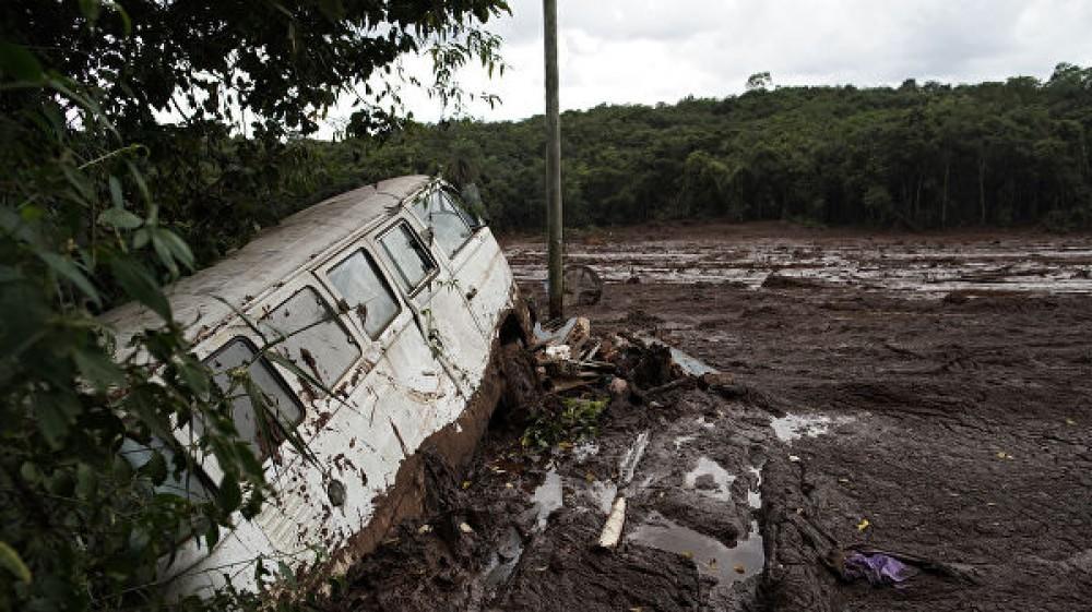 Rusiyada bənd uçdu: 15 ölü, 19 yaralı