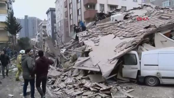 В Индии рухнуло здание, под завалами остались 90 человек