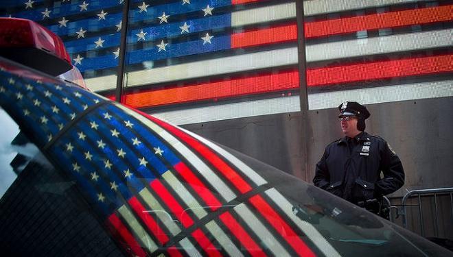 В США в ряде городов введен комендантский час