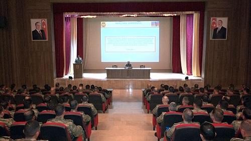 Naxçıvan Qarnizonu qoşunlarında toplantı -