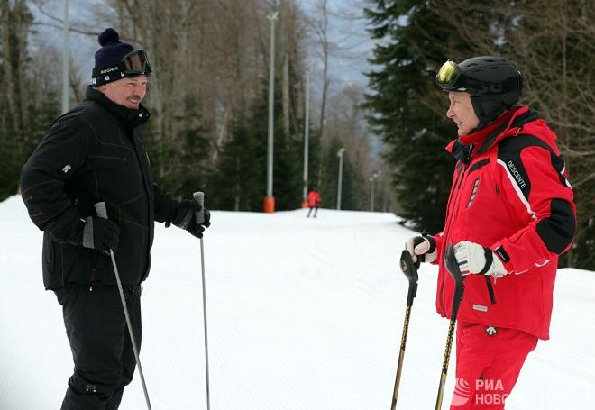 Putin and Lukashenko in Sochi, while protests continue