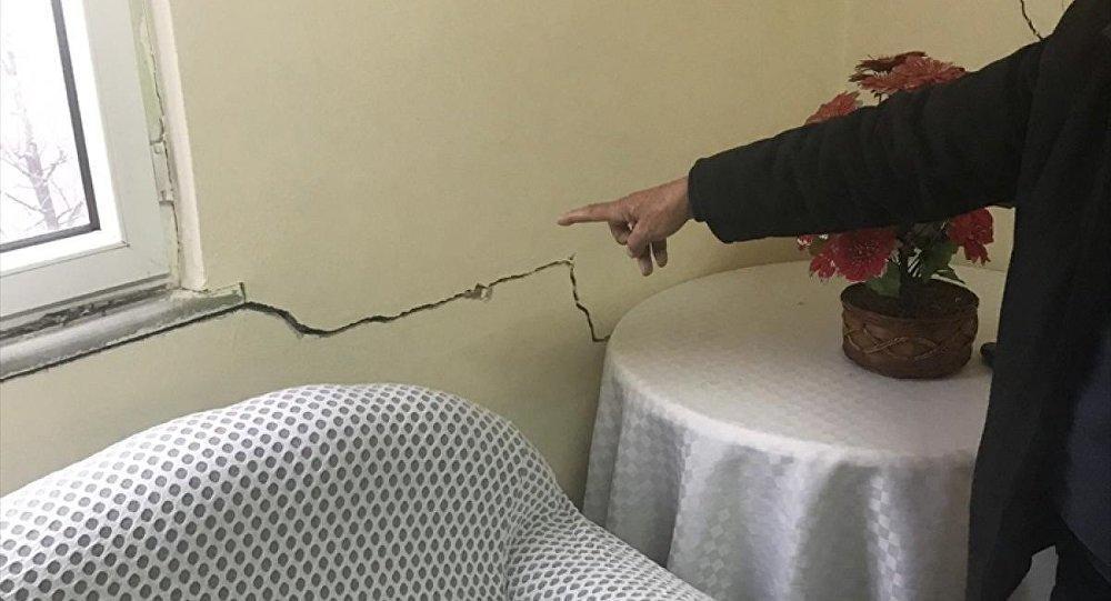 Türkiyədə torpaq sürüşməsi: 17 bina boşaldılır - Foto