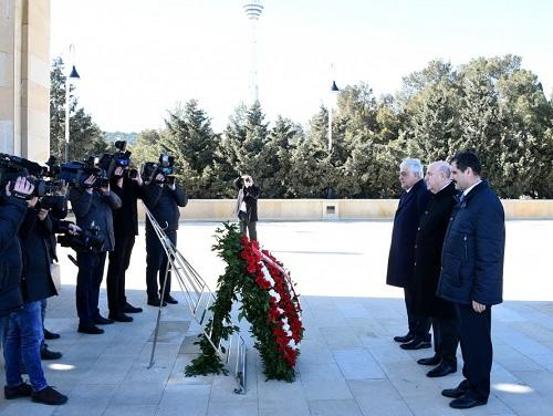 Turkish MPs pay respect to national leader Heydar Aliyev