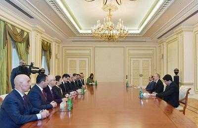 President receives Turkey-Azerbaijan group -