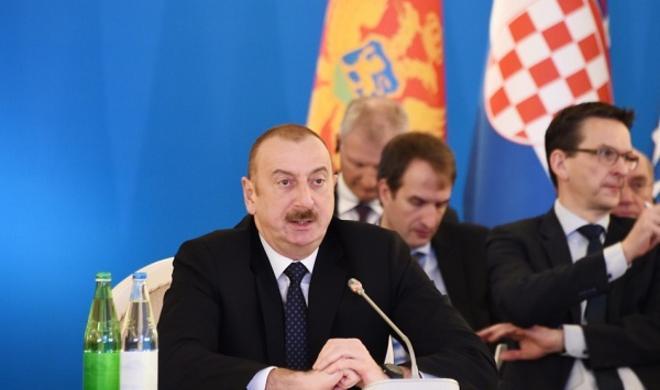 Ильхам Алиев на пятом заседании министров - Фото