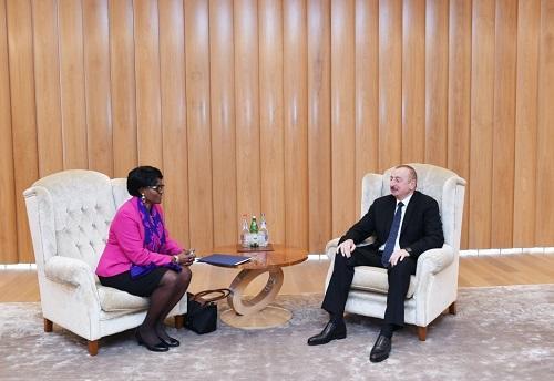 Президент провел ряд встреч - Фото