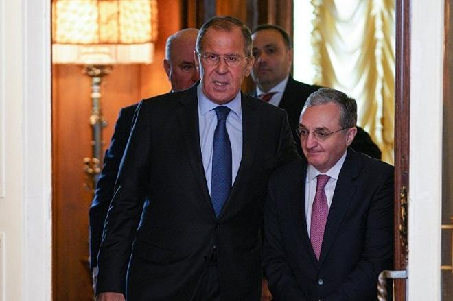 Mnatsakanyan called to Lavrov