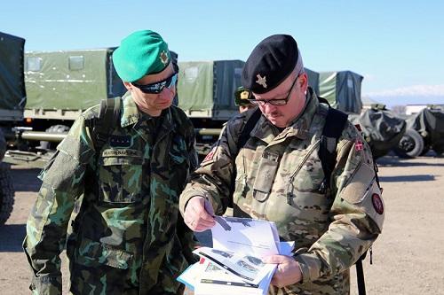 Beynəlxalq inspeksiya qrupu Naxçıvanda silahlara baxdı - Foto