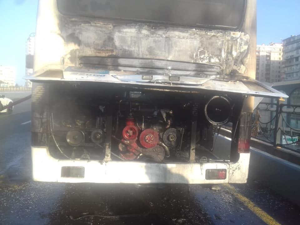 Bakıda daha bir avtobus yandı - Foto