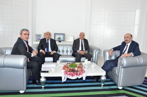 Əbülfəs Qarayev İSESKO-nun baş direktoru ilə görüşdü