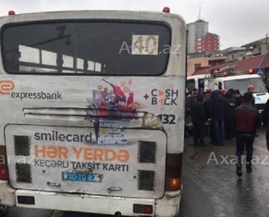 Bakıda avtobus dəhşətli qəza törətdi - Video