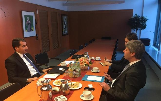 Хикмет Гаджиев обсудил в Берлине карабахский конфликт