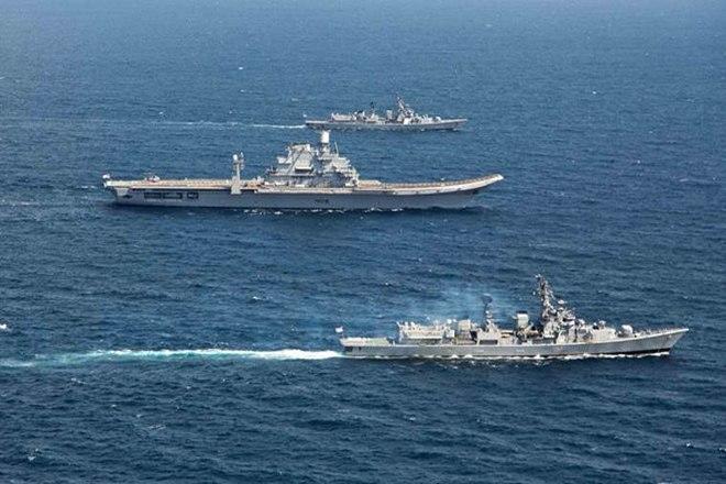 Индия развернула АПЛ и авианосное соединение