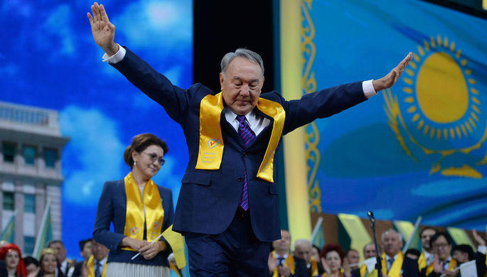 Назарбаеву дали звание «Народный герой»