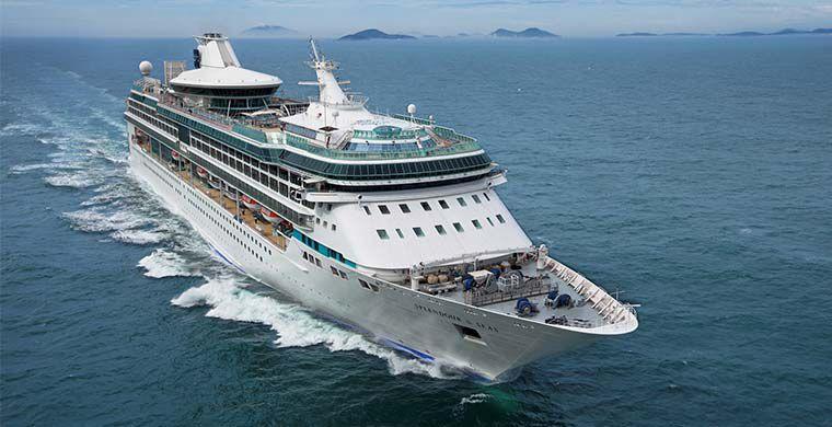 Авария лайнера с 1300 человек на борту: проводится эвакуация