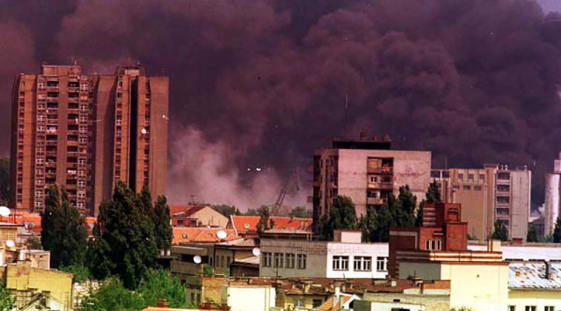 НАТО объяснила необходимость бомбардировок Югославии