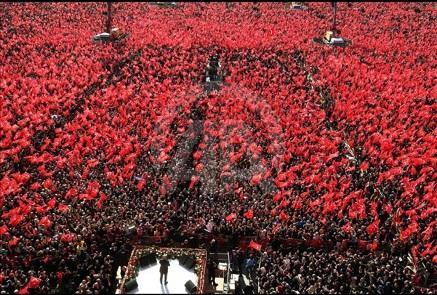 İstanbulda izdihamlı mitinq keçirildi - Foto