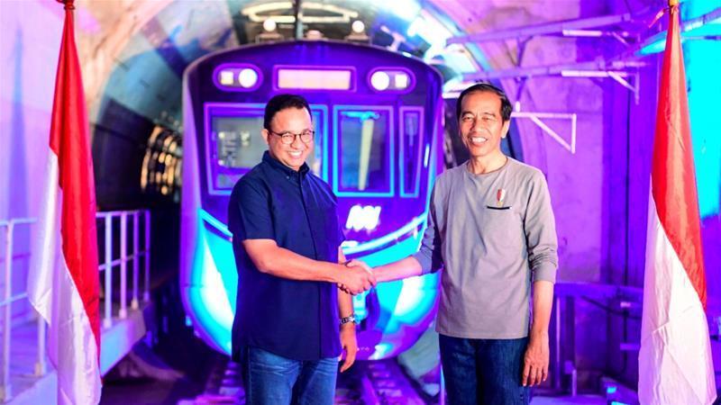 В Индонезии открылась первая ветка метро
