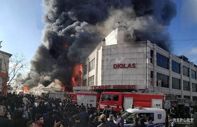 Bakıda güclü yanğın: Helikopter havaya qaldırıldı - Video