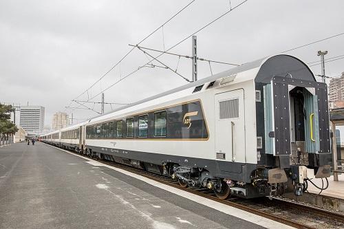 АЖД продлили ограничения на движение поездов