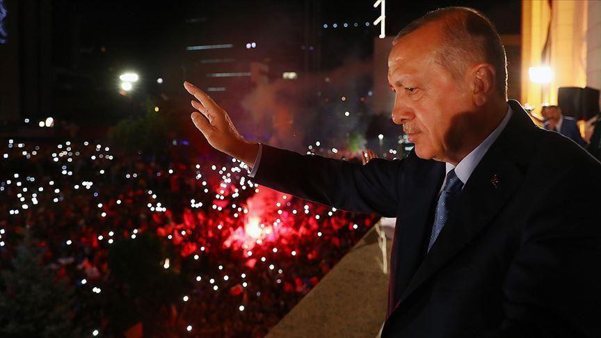 Türkiyədə diqqətçəkən sorğu: AKP liderdir, İYİ Partiya isə...