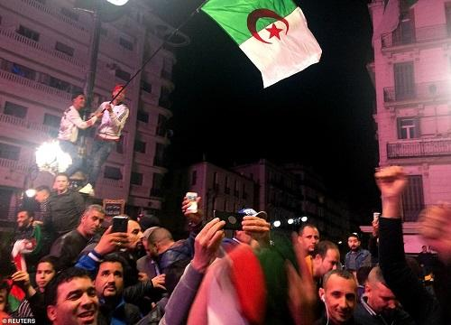 Algerian protesters hold last Friday rally before election