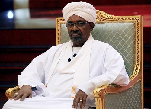 Ex-president Bashir arrives at the corruption trial