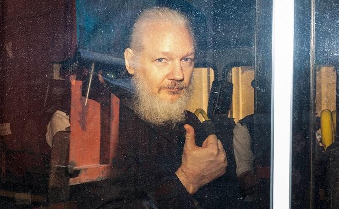 Assange calls for help in a letter sent from prison