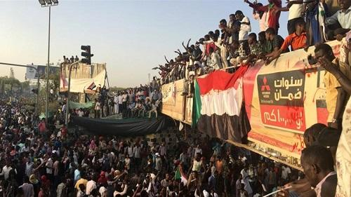 Sudan: Members of ousted president's party arrested