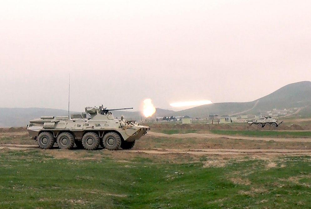 Naxçıvan istiqamətində hərbi maşın vuruldu: kimindir? – Video