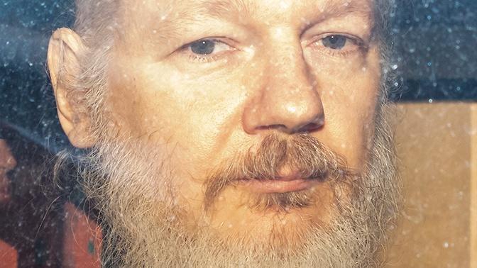 Ассанжу ужесточили условия содержания в тюрьме